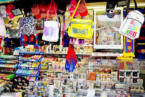 Lembranças para venda apresentada a Loja de presentes em Barcelona, Espanha