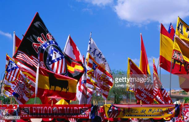 souviner flags of football club atletico de madrid at stadium estadion vicente calderon, imperial. - club football stockfoto's en -beelden