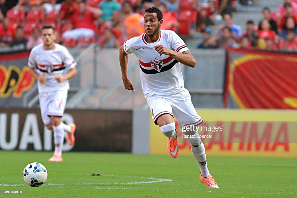 Sport Recife v Sao Paulo - Brasileirao Series A 2014 : News Photo