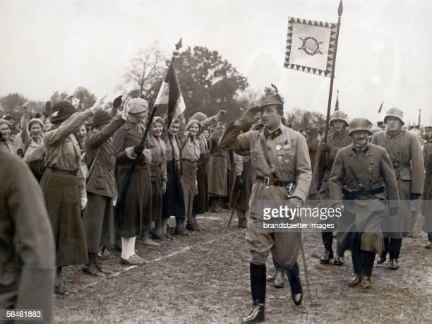 Sovereign Ernst Ruediger Starhemberg while the deployment of the 'Heimatschutz' in Linz Photography After 1930 [Fuerst Ernst Ruediger Starhemberg bei...