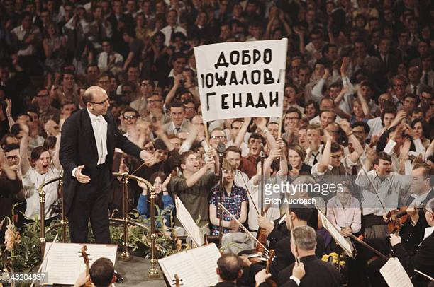 Soviet conductor Gennady Rozhdestvensky conducting the Tchaikovsky Symphony Orchestra of Moscow Radio at the London Promenade Concerts or Proms at...