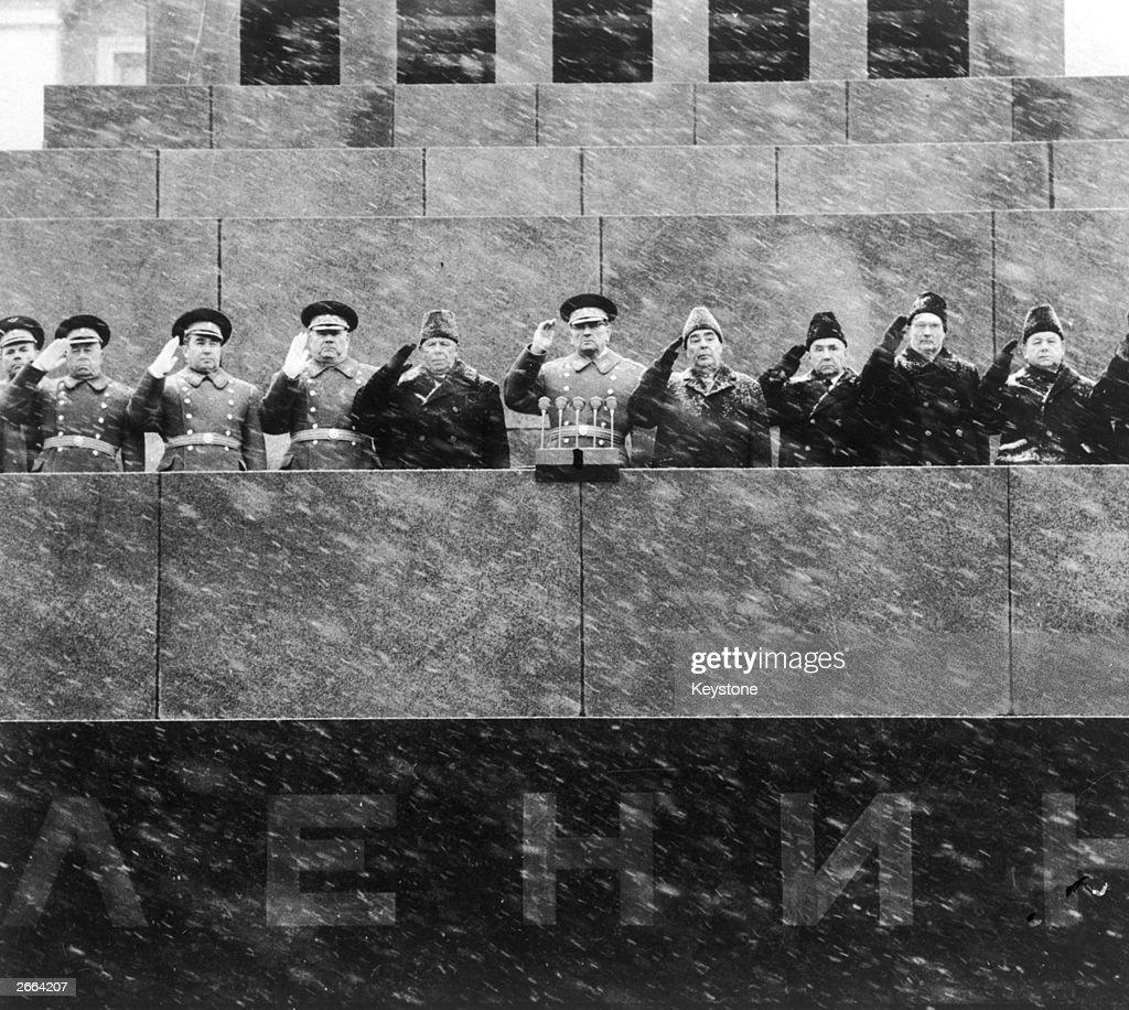 Politburo In The Snow : News Photo