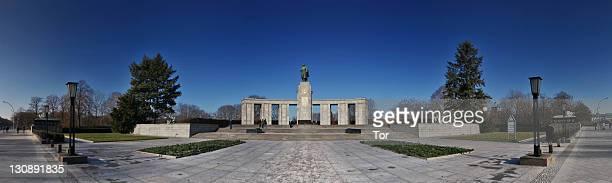 Soviet Memorial commemorating the fallen soldiers of the Red Army, Strasse des 17. Juni street, Tiergarten district, Berlin, Germany, Europe