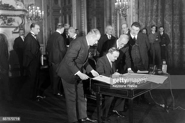 Soviet representative Dovgalesky and President of the French Republic Edouard Herriot sign the French-Soviet pact of non-aggression on November 29,...