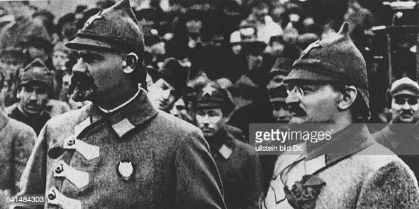 Soviet Union Leo Trotzky *18791940 Politician USSR Nikolai L Muralov and Trotzky in Red Army uniform early 1920ies