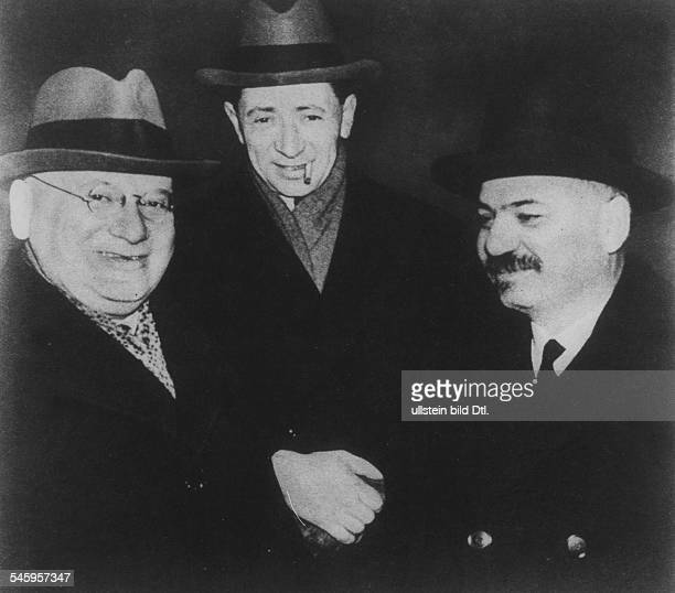 Soviet Union Litvinov, Maxim *05.07.1876-+ Politician, USSR People's Commissar for Foreign Affairs in the group from left: Litvinov, Ivan M. Maiski...
