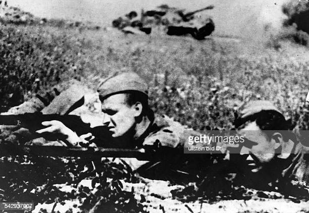 Sowjetische Soldaten im Kampf in der Schlacht bei Kursk Juli 1943