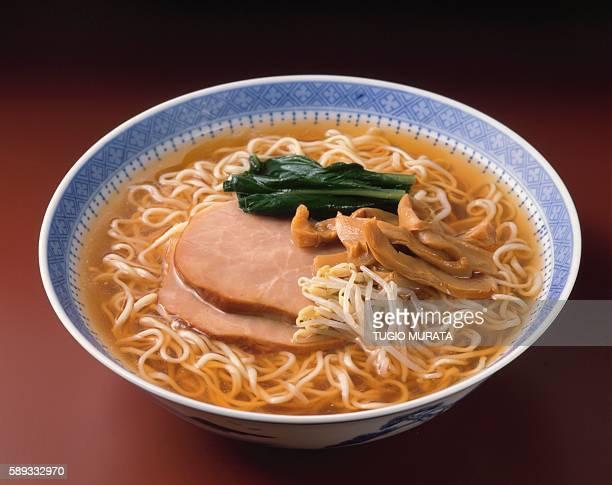 soy sauce-flavored ramen - 醤油 ストックフォトと画像