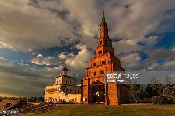 soyembika leaning tower of kazan kremlin, republic of tatarstan, - カザン市 ストックフォトと画像