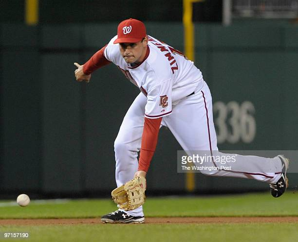 sp_nats22 DATE April 2009 CREDIT Toni L Sandys / TWP Washington DC Washington Nationals third baseman Ryan Zimmerman fields an infield hit by Braves'...