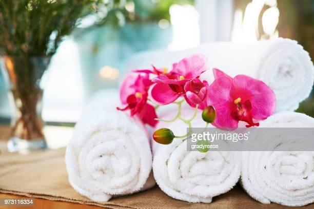 jours de spa - massage room photos et images de collection