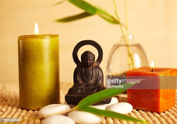 Spa still life-buddha-statue und Kerzen