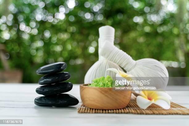 spa treatment - thai massage stockfoto's en -beelden