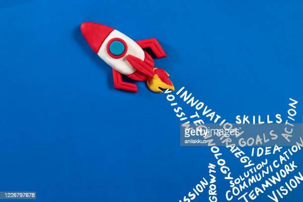 space rocket - stapellauf stock-fotos und bilder