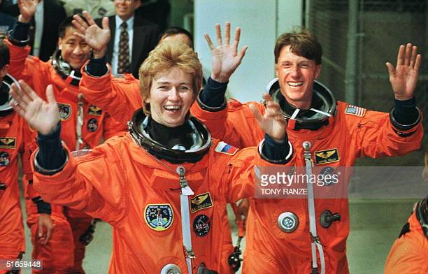 space shuttle mission specialist - photo #28