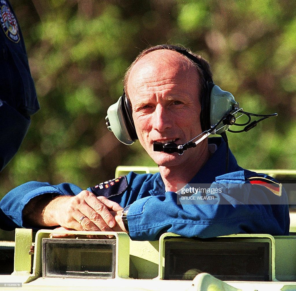 space shuttle mission specialist - photo #37