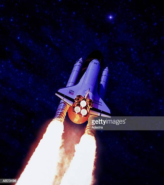 space shuttle launch, low angle view - 宇宙探検 ストックフォトと画像