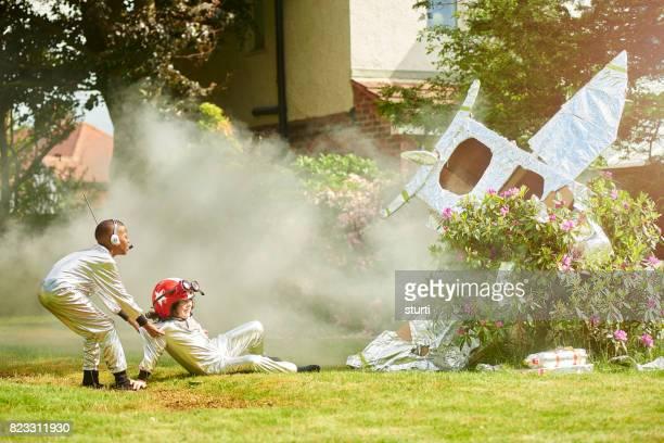 spaceboy crash landing