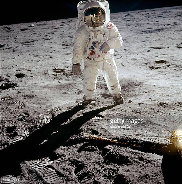 Spaceflight United States of America Moon landing of Apollo 11 in 1969 Portrait of astronaut Edwin ALDRIN Neil Armstrong's reflection in visor July...