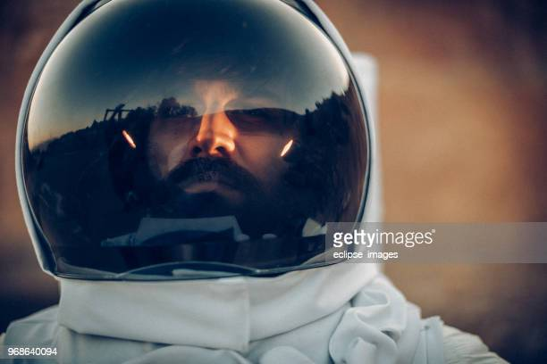 spaceman - space helmet stock pictures, royalty-free photos & images