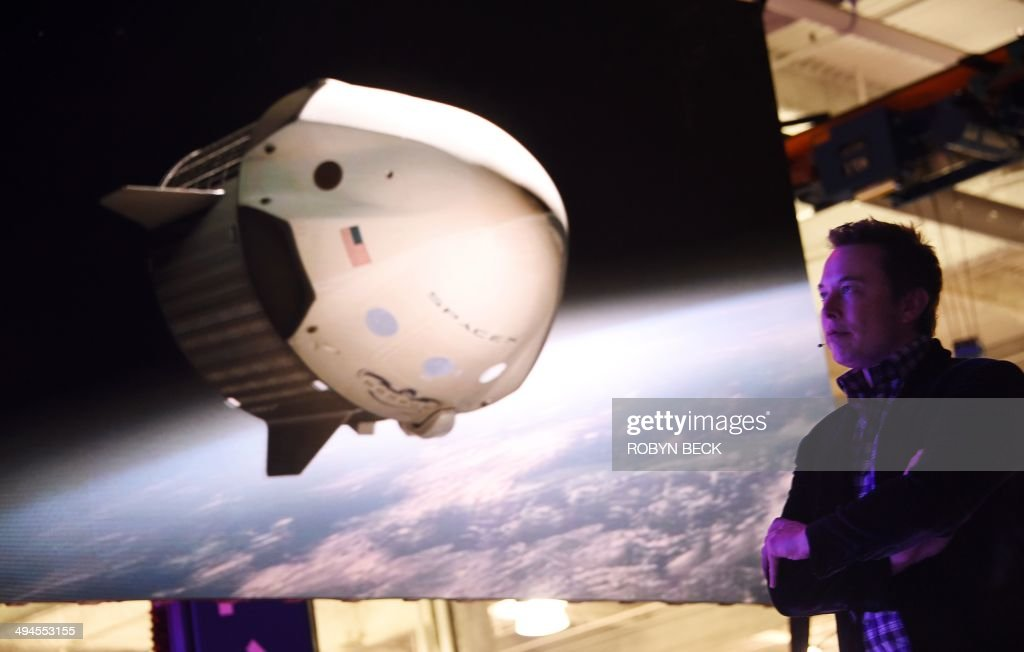 US-SPACE-SPACEX-DRAGON V2 SPACECRAFT-ELON MUSK : News Photo