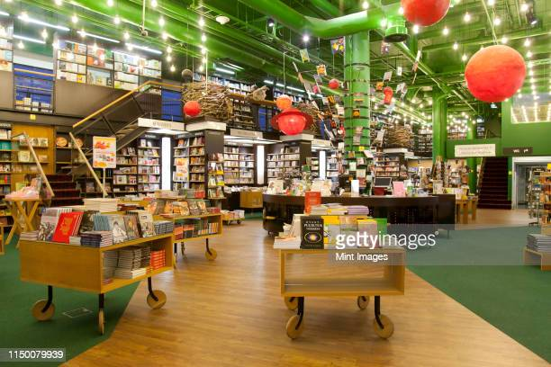 spacious bookstore interior - 書店 ストックフォトと画像