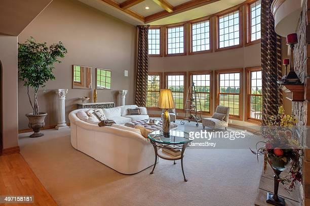 Amplia suite de una habitación con vista.