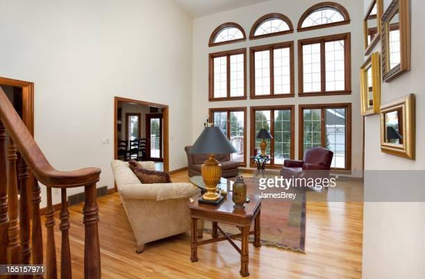 広々としたグレートルームに、素晴らしい窓