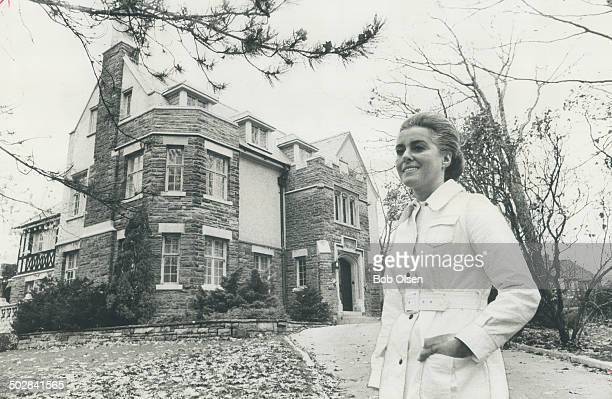 Spacious houses; like the mansion of Mrs. Marvin Gerstein and her husband ; provide elegant suburban living in the heart of the city for the $25;000...