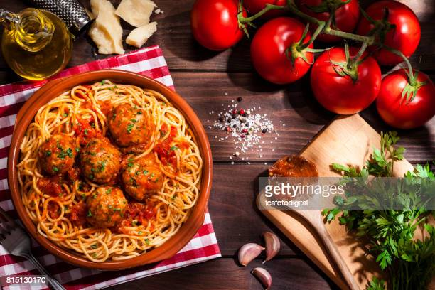 spaghetti and meatballs - spaghetti stock pictures, royalty-free photos & images