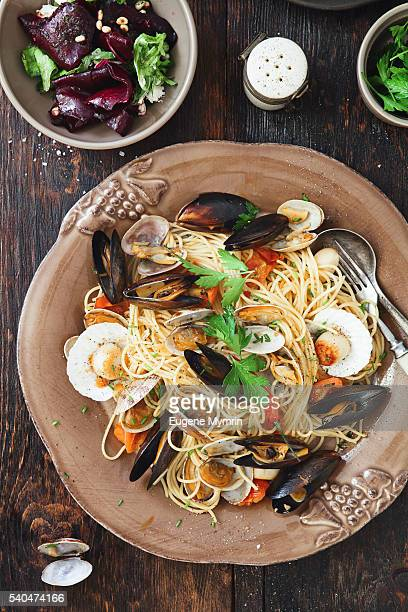 Spaghetti lunghi with seafood