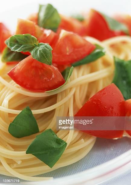 Spaghetti of Raw Tomato and Basil