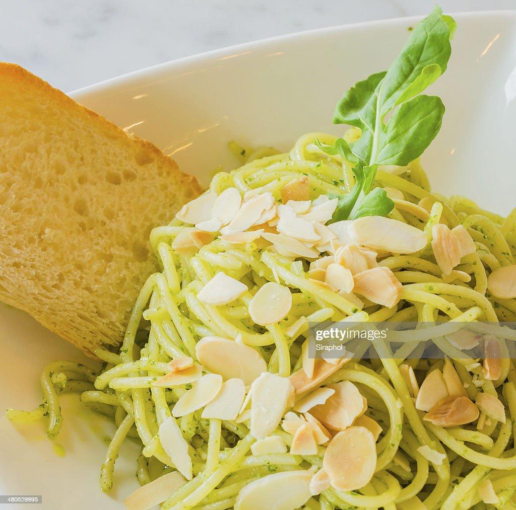 Spaghetti : Bildbanksbilder