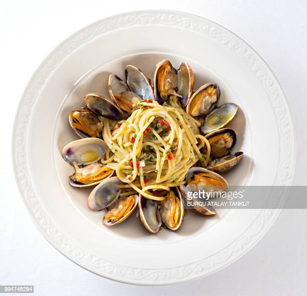spaghetti vongole - clams stock photos and pictures