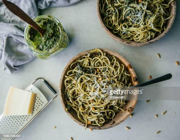 spaghetti with pesto genovese - pesto stock pictures, royalty-free photos & images