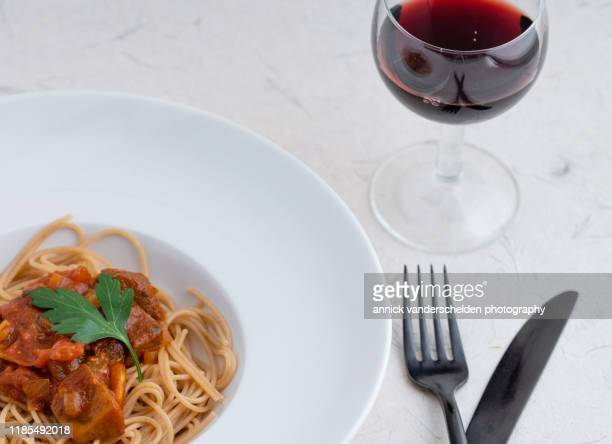 spaghetti with seitan bolognese - flat leaf parsley stock pictures, royalty-free photos & images