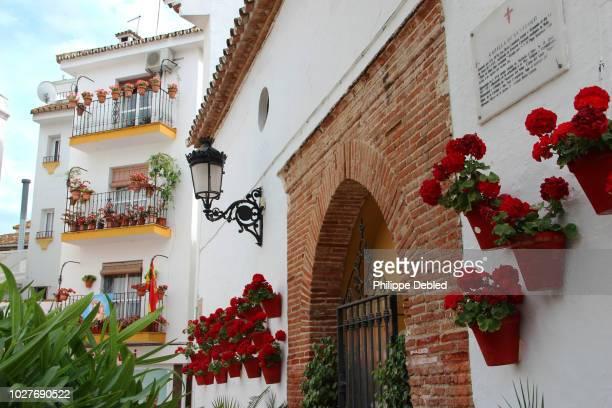 spain, andalusia, málaga province, marbella, plaza de los naranjos, old town - marbella stock pictures, royalty-free photos & images