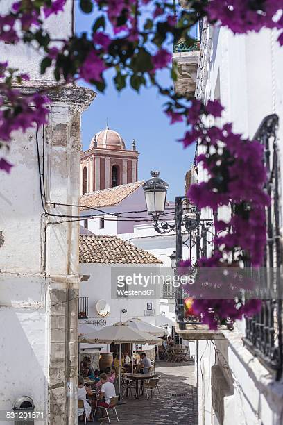 spain, andalusia, tarifa, old town, restaurant - cádiz stock pictures, royalty-free photos & images