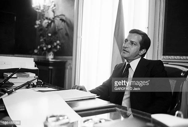Spain August 1975 Close Up Of Adolfo Suarez Prime Minister Espagne 15 aout 1976 Adolfo SUAREZ 1er ministre espagnol reçoit les journalistes de Paris...