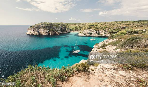 spain, balearic islands, menorca, macarella bay with cala macarelleta - ミノルカ ストックフォトと画像