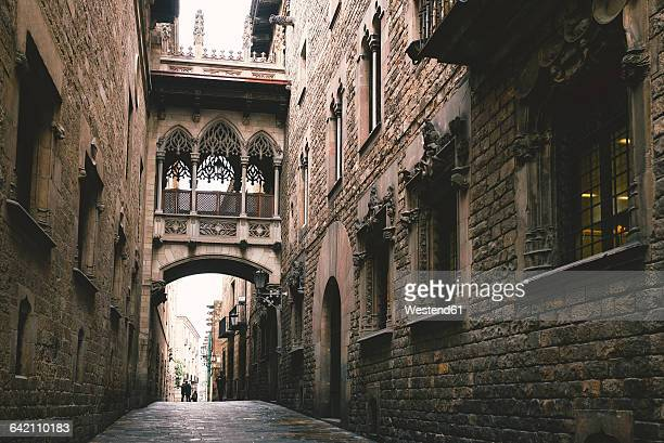 Spain, Barcelona, view to Bridge of Sighs at Gothic Quarter