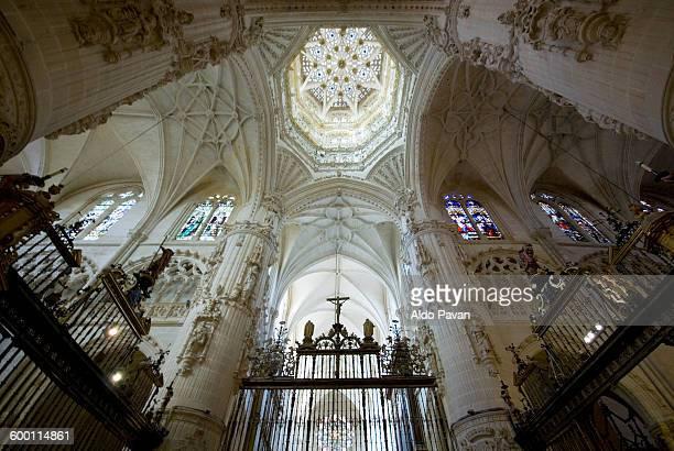spain, burgos, view of the interior of the cathedr - burgos stock-fotos und bilder