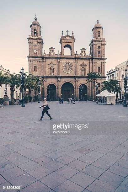 spain, canary islands, gran canaria, las palmas, plaza and catedral de santa ana - las palmas cathedral stock photos and pictures