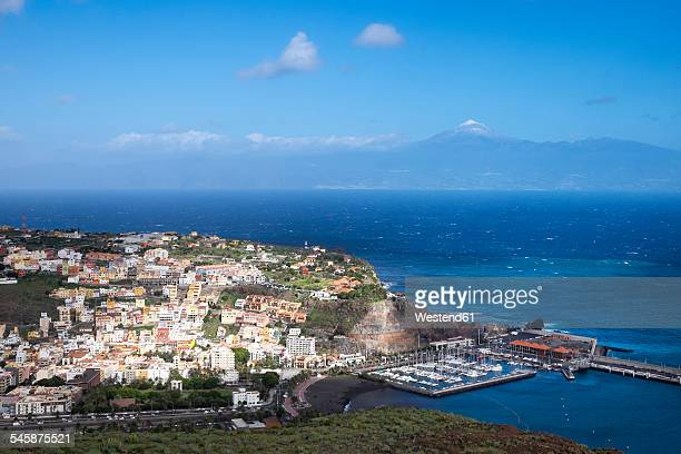 Spain, Canary Islands, La Gomera, view to San Sebastian and Mount Teide of Tenerife in the background