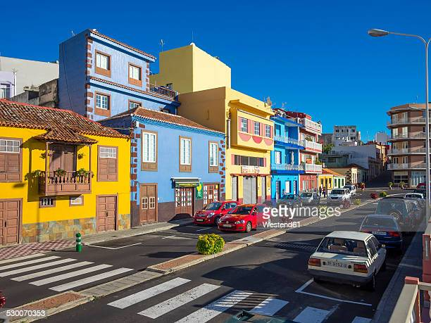 spain, canary islands, la palma, puerto de tazacorte, colourful houses - canary islands stock photos and pictures