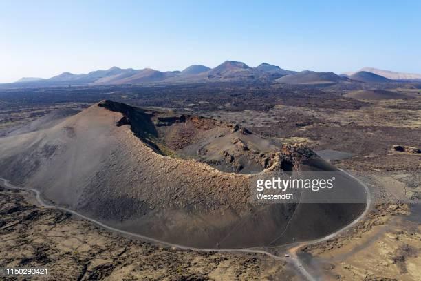 spain, canary islands, lanzarote, timanfaya national park, cuervo and montana de las lapas - paisaje volcánico fotografías e imágenes de stock