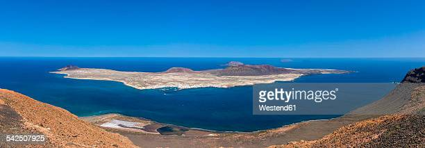 Spain, Canary Islands, Lanzarote, View from Mirador del Rio to La Graciosa