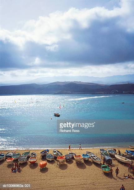 spain, canary islands, las palmas, boats on beach, aerial view - las palmas de gran canaria stock pictures, royalty-free photos & images