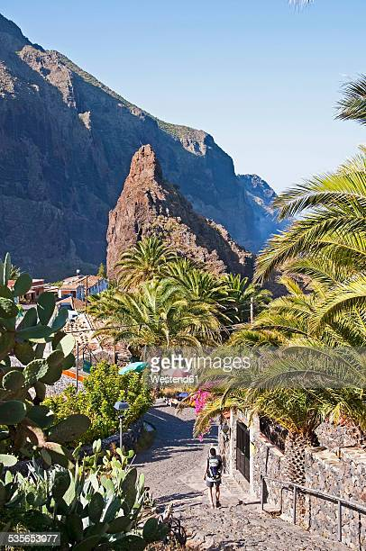 Spain, Canary Islands, Tenerife, Teno Mountains, Masca, Female hiker