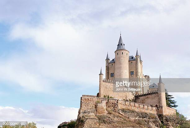 spain, castilla y leon, segovia, alcazar exterior - segovia stock pictures, royalty-free photos & images